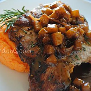 Golden Raspberries 1, steak au poivre, Carmal apple pork 033