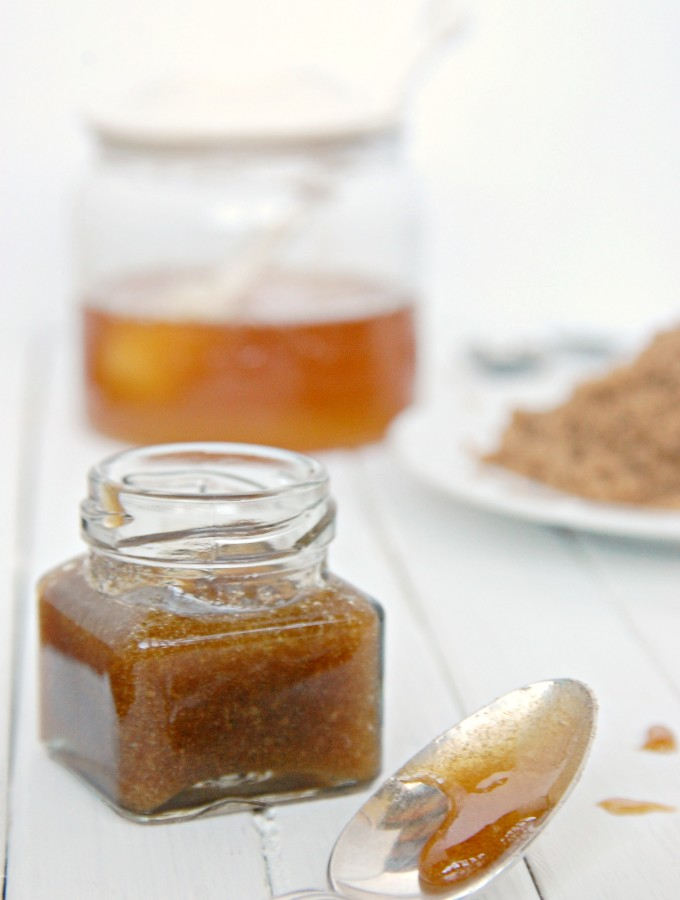 DIY Brown Sugar Honey Facial Scrub