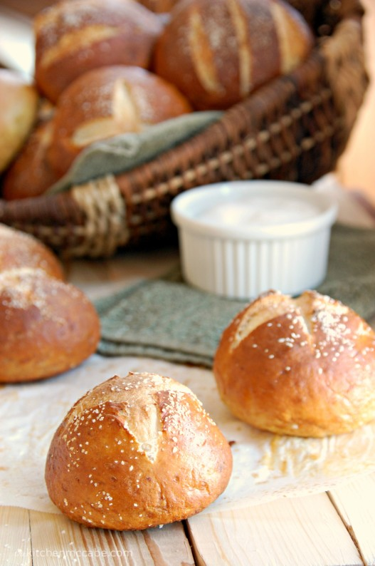 pretzel roll 1