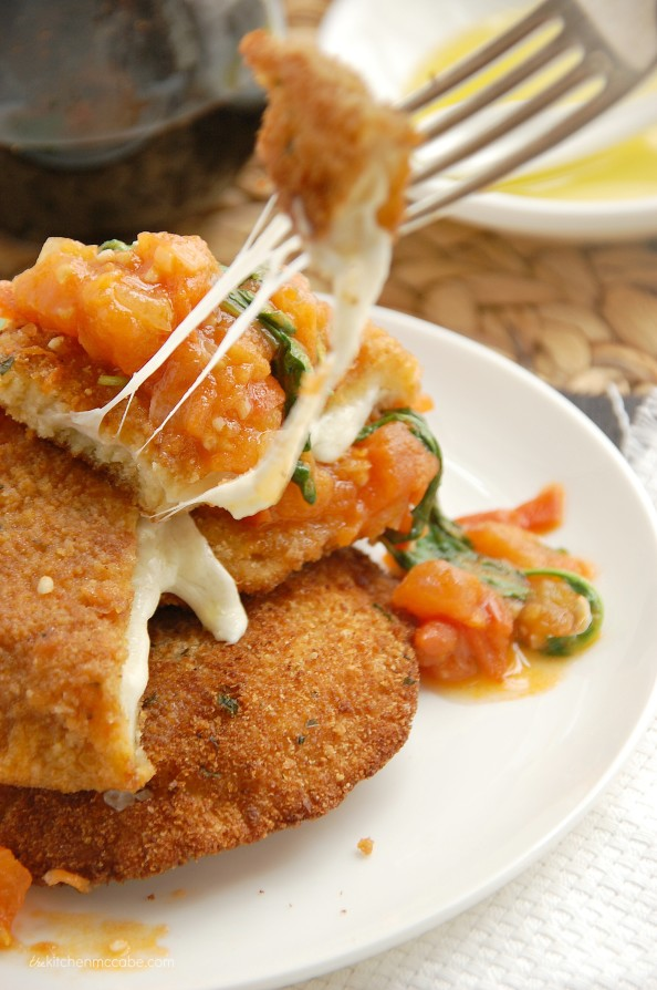 Mozzarella en Carozza with tomato rocket sauce 5
