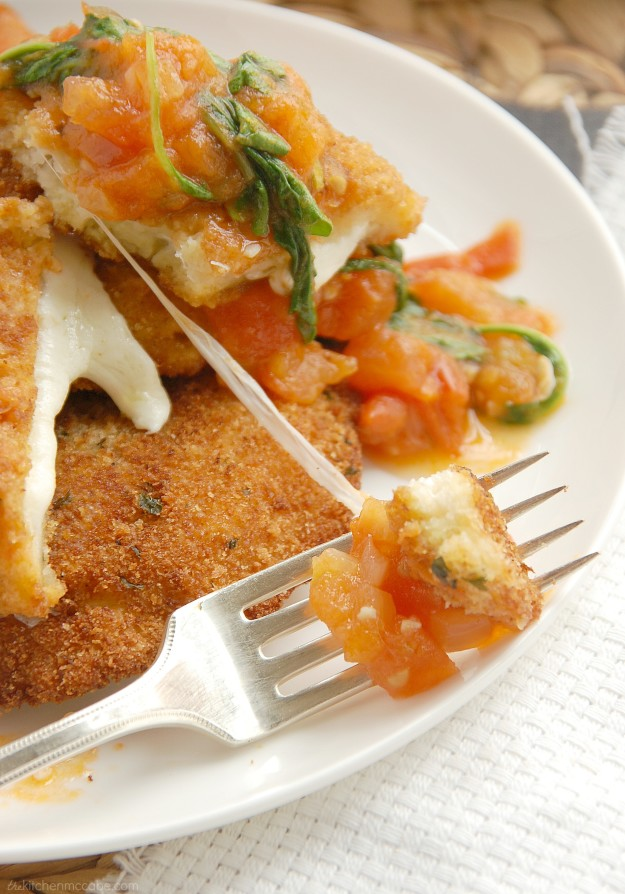 Mozzarella en Carozza with tomato rocket sauce 6