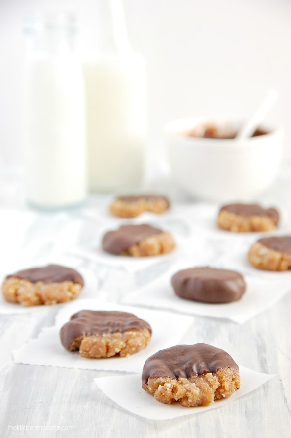 Raw peanut butter cookies-chocolate dipped(vegan) 4