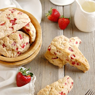 strawberries and cream scones 4