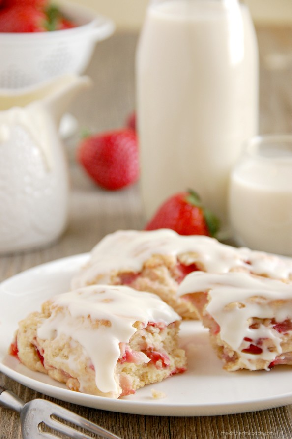 strawberries and cream scones 5