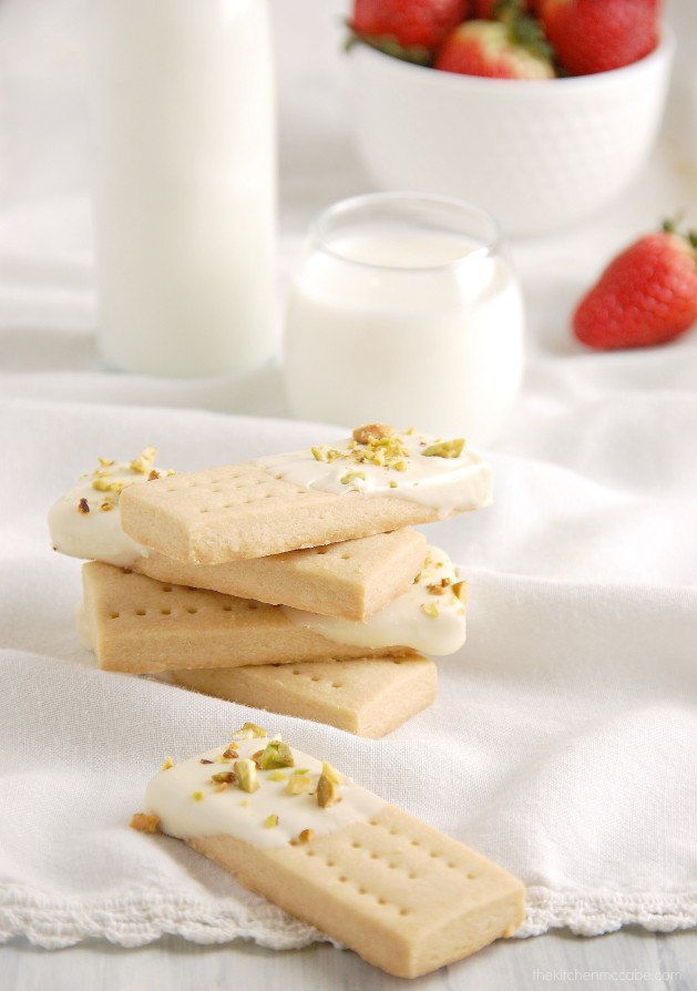 white chocolate pistachio shortbread 4
