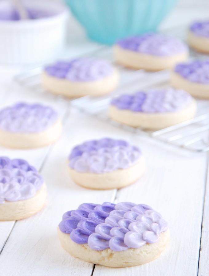 Super Soft Sugar Cookies & Ombre Egg Tutorial