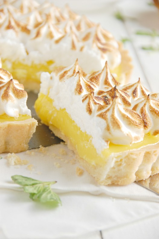 Lemon Meringue Shortbread Tartlets | thekitchenmccabe.com
