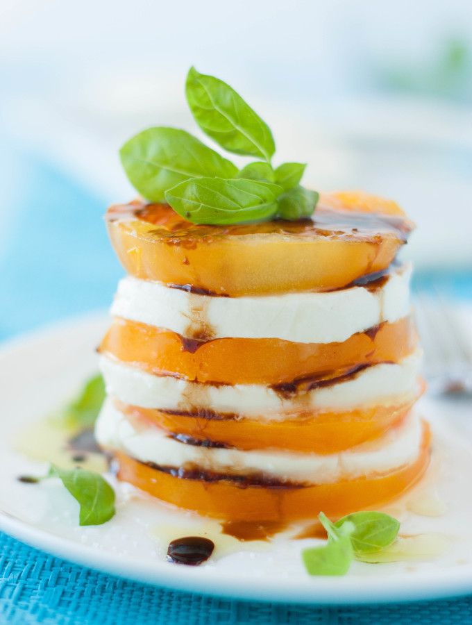 Insalata Caprese with Balsamic Vinegar Reduction