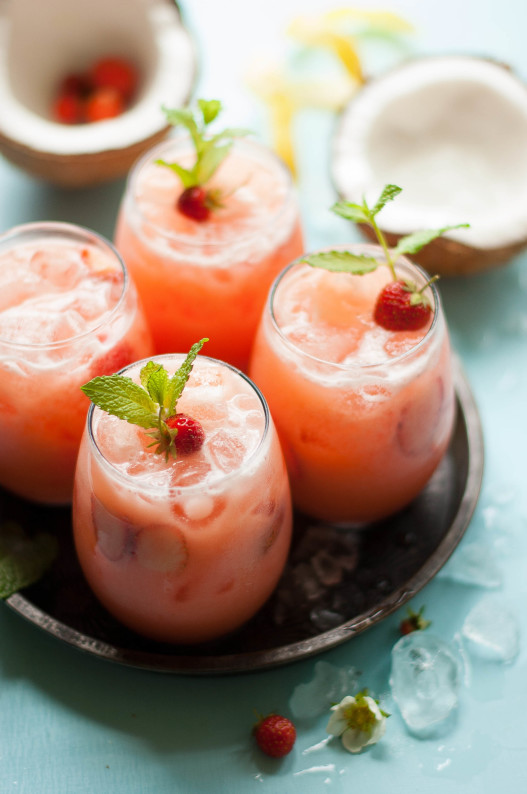 Strawberry Coconut Lemonade | thekitchenmccabe.com