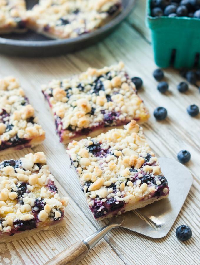 Blueberry Lemon Shortbread Crumble Bars