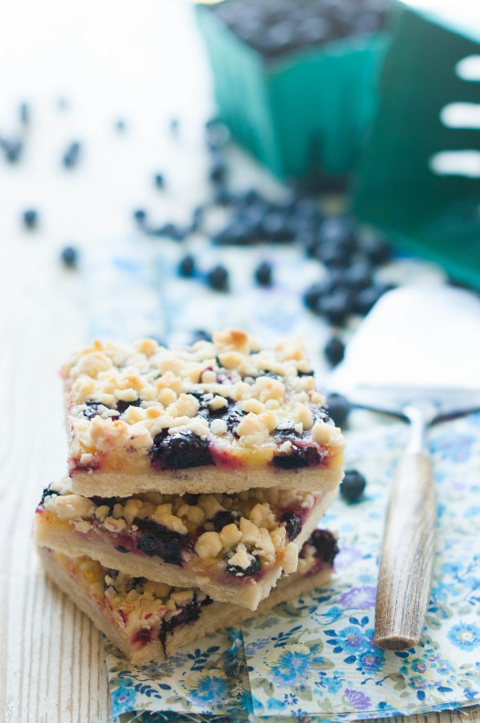 Blueberry Lemon Shortbread Crumble Bars | thekitchenmccabe.com