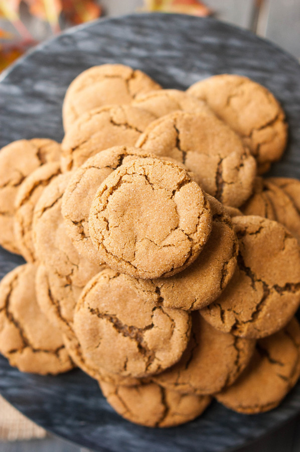 gingersnap cookies soft gingersnap cookies with white chocolate chunks ...