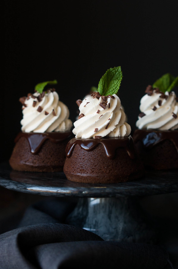 Mint Chocolate Mini Cakes - The Kitchen McCabe