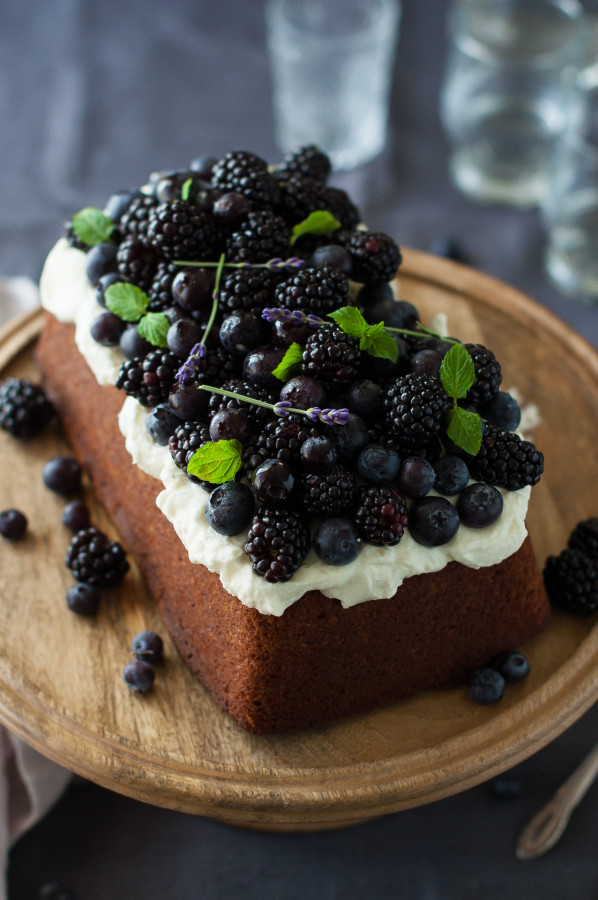 ... lavender cake and the fluffy, tangy Lemon Mascarpone Cream on top