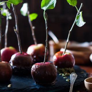 Vegan, Naturally Sweetened Caramel Dipped Apples