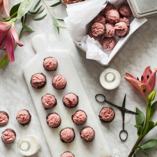 Chocolate Covered Strawberry Macaroons - Raw, Vegan, Dairy free, Gluten free, Paleo, No Refined Suga