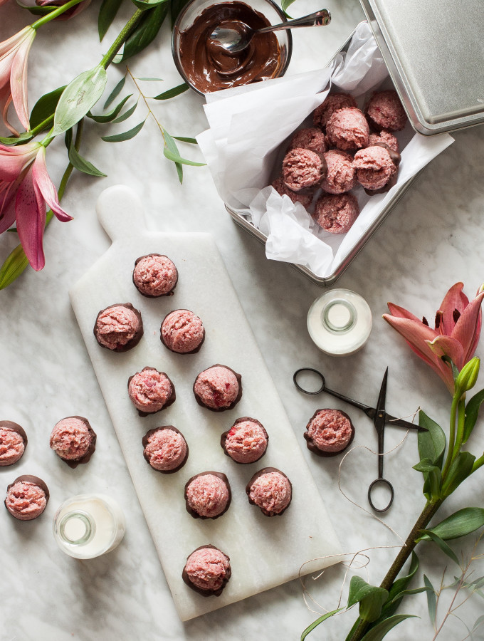 Chocolate Covered Strawberry Macaroons