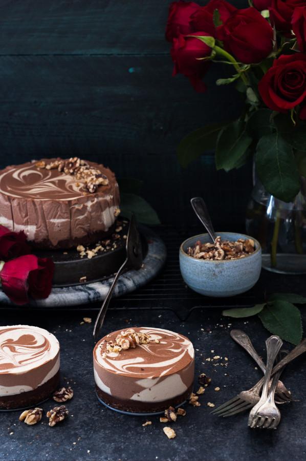 Black Bottomed Chocolate Vanilla Swirl Cheesecake {dairy free, gluten free, vegan, refined sugar free}
