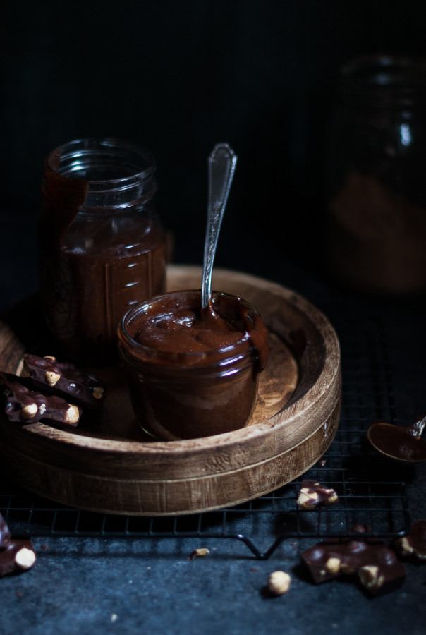 Chocolate Hazelnut Spread {gluten, dairy, refined sugar free}