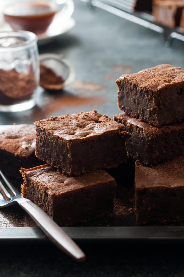 Dark Chocolate Espresso Cake Brownies  {vegan friendly, refined sugar-free, dairy-free}