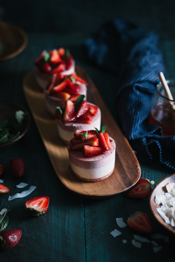 Raw Strawberry & Coconut Mini Ice Cream Cakes