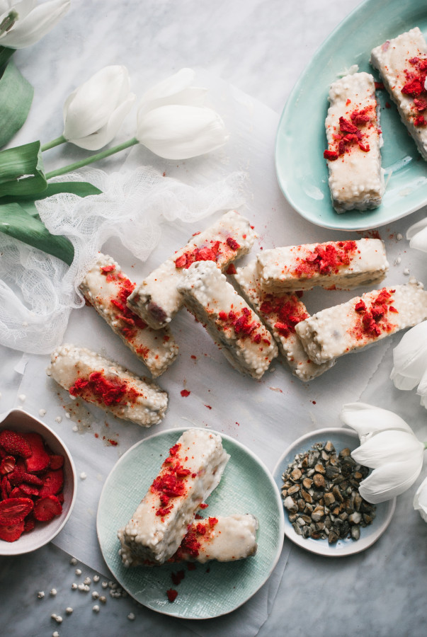 White Chocolate Dipped Puffed Millet Bars with Strawberries & Pistachios