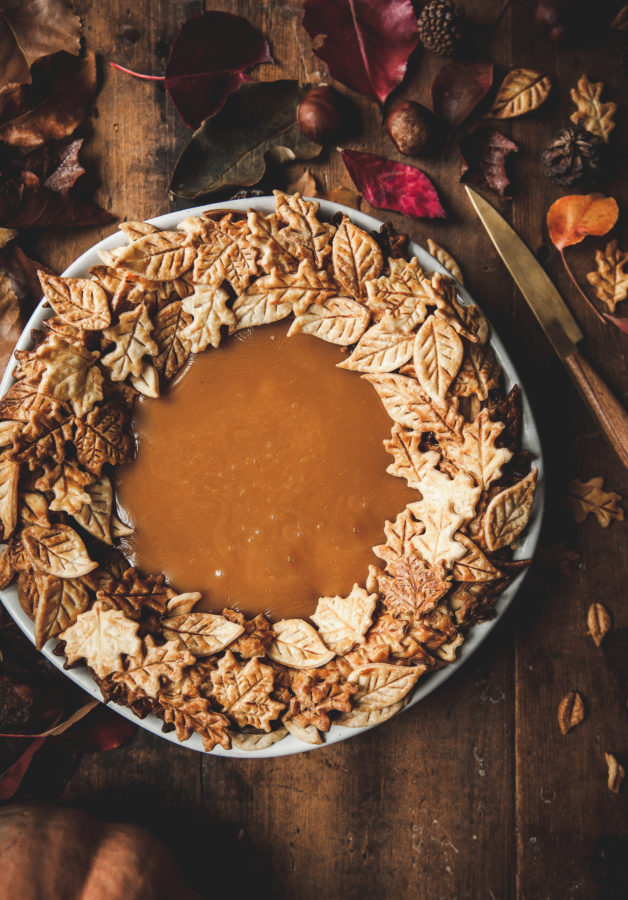 Pumpkin & Caramel Pie + Leaf Wreath Crust