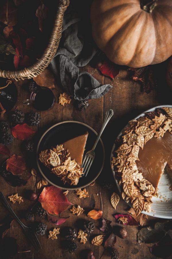 Pumpkin & Caramel Pie + Leaf Wreath Crust